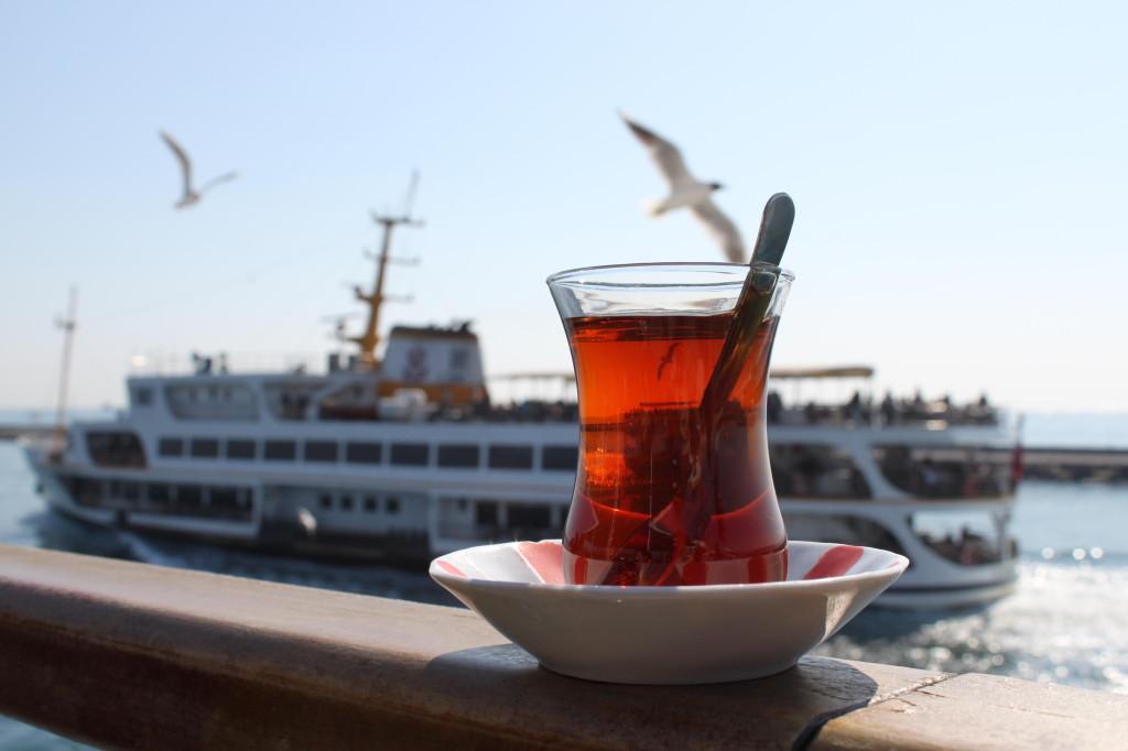 Çay, Martı ve Vapurlar