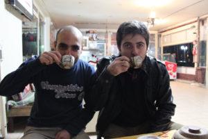Kahveleri bir güzel höpürdettik.
